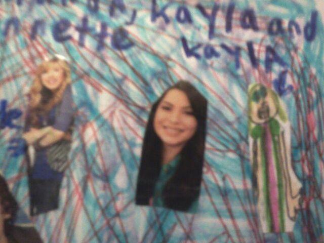 File:Miranda,Kayla and Jennette.jpg