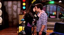 ICarly.S07E07.iGoodbye.480p.HDTV.x264 -Finale Episode-.mp4 002358562-015