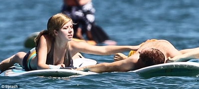 File:Normal Jennette McCurdy in Hawaii 28729.jpg
