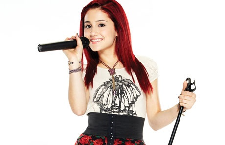 File:Cat Valentine Microphone.jpg