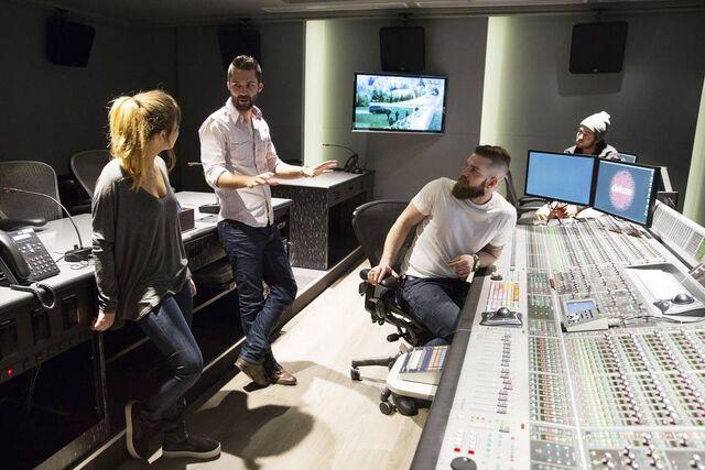 File:Jennette Control Room.jpg