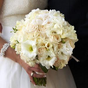 File:Ivory-wedding-flowers.jpg