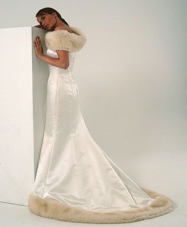 File:64ad2f2ed0508f01 christmas wedding dress.jpg