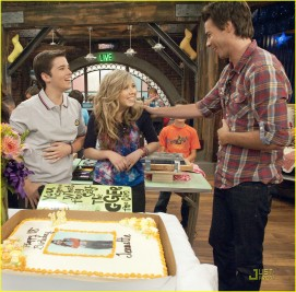File:271px-Jennette-mccurdy-birthday-03.jpg