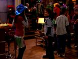 ICarly.S01E01.iPilot.HR.DVDRiP.XviD-LaR.avi 001528333