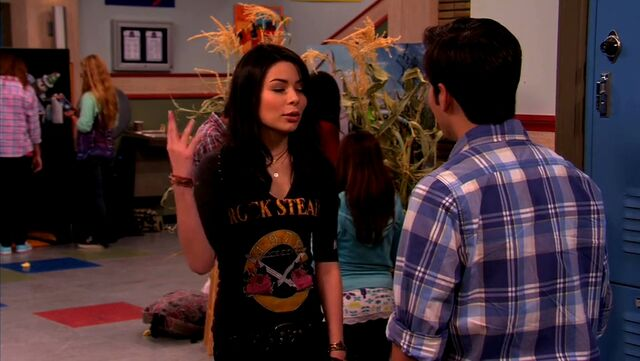 File:ICarly.S04E10.iOMG-HD.480p.Web-DL.x264-mSD.mkv 000978048.jpg