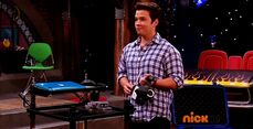 ICarly.S07E07.iGoodbye.480p.HDTV.x264 -Finale Episode-.mp4 002332286-010