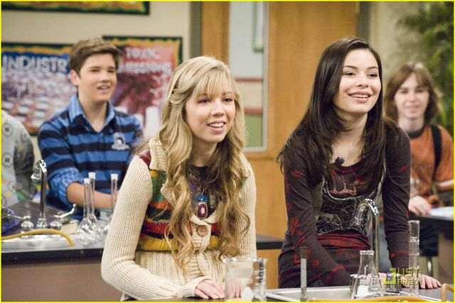 File:Icarly-go-green-01.jpg