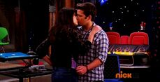 ICarly.S07E07.iGoodbye.480p.HDTV.x264 -Finale Episode-.mp4 002359396-039