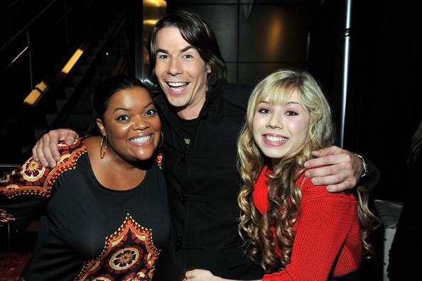 File:Premiere+Nickelodeon+Merry+Christmas+Drake+izJjnLwIH2Ul.jpg