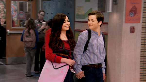 File:Holding Hands in the Hallway By CreddieCupcake.png