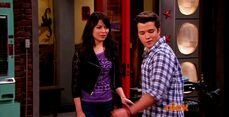 ICarly.S07E07.iGoodbye.480p.HDTV.x264 -Finale Episode-.mp4 002350804-025