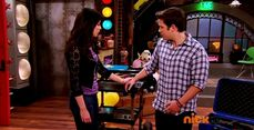 ICarly.S07E07.iGoodbye.480p.HDTV.x264 -Finale Episode-.mp4 002353807-028