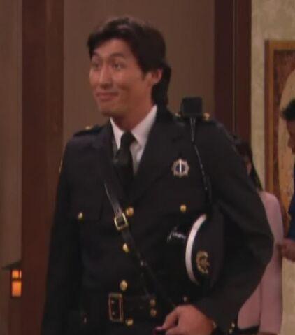 File:Japanese Policeman.jpg