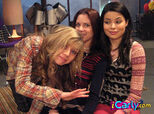 I-reunite-with-missy-icarly-6793049-480-356