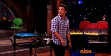 ICarly.S07E07.iGoodbye.480p.HDTV.x264 -Finale Episode-.mp4 002326280-007