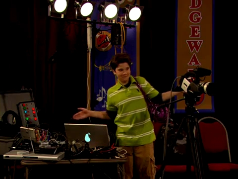 File:ICarly.S01E01.iPilot.HR.DVDRiP.XviD-LaR.avi 000406375.jpg