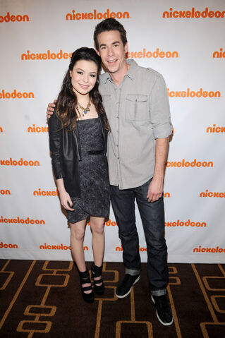 File:50048 MirandaCosgrove NickelodeonUpfront2011attheRoseTheateratLincolnCenterinNYCMarch102011 By oTTo15 122 42lo.jpg