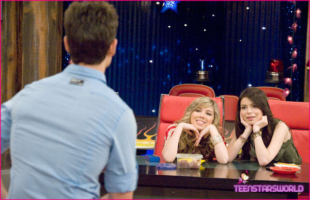 File:ICarly-iHire-An-Idiot-Stills-5.jpg