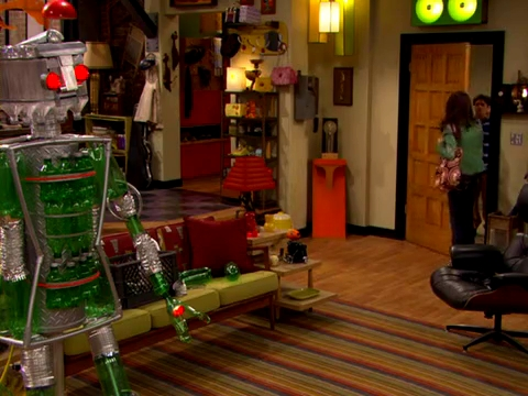 File:ICarly.S01E01.iPilot.HR.DVDRiP.XviD-LaR.avi 000313541.jpg
