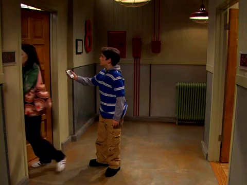 File:ICarly.S01E01.iPilot.HR.DVDRiP.XviD-LaR.avi 000310791.jpg