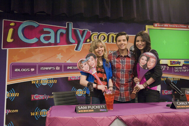 File:Icarly istart 14HR.jpg