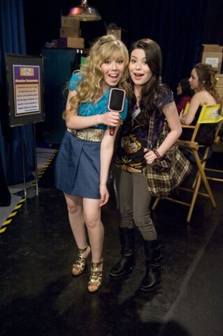 File:Jennette-mccurdy-icarly-pageant-09.jpg