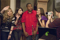 Iparty with victorious kenan thompson
