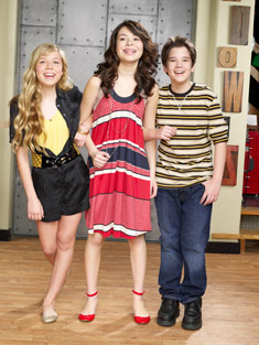 File:Mainimage icarlycast5.jpg