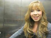 Jennette - elevator