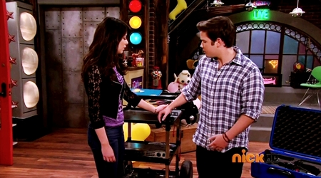 File:ICarly.S07E07.iGoodbye.480p.HDTV.x264 -Finale Episode-.mp4 002353807-012.jpg