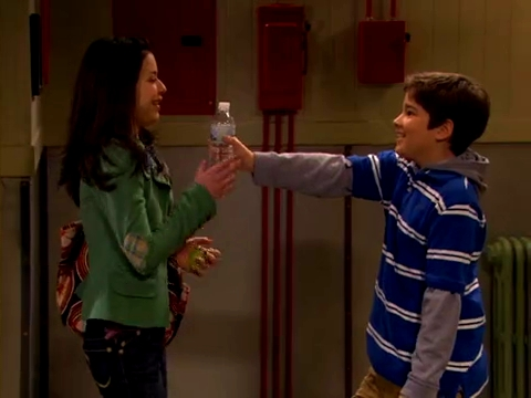 File:ICarly.S01E01.iPilot.HR.DVDRiP.XviD-LaR.avi 000273416.jpg