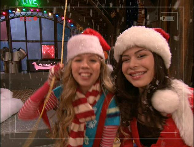 File:ICarly X-Mas Webcast.JPG