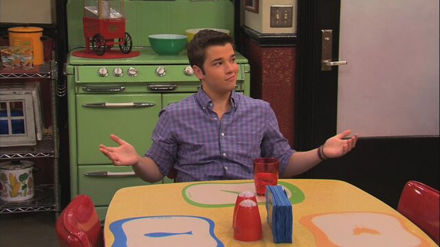 File:ICarly.S05E08.iBalls.720p.WEB-DL.AAC2.0.H264-ViPER-15-39-25-.jpg