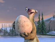 Ice Age- The Great Egg-Scapade Sid with Egg