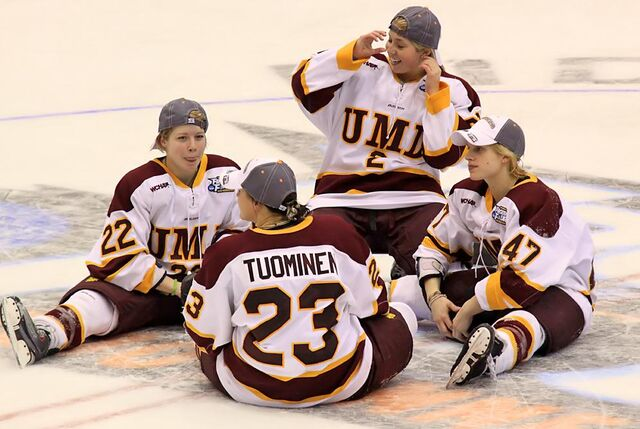 File:Bulldogs FrozenFour2010.jpg