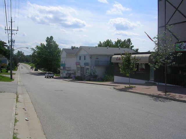 File:Callander, Ontario.jpg
