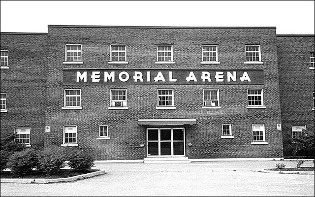File:Waterloo Memorial Arena.jpg