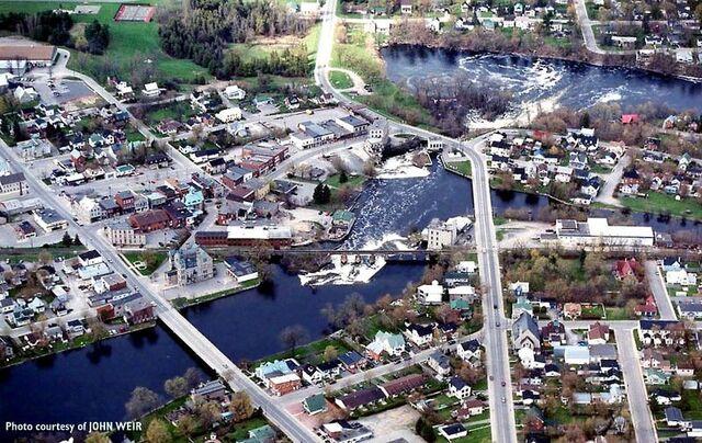File:Almonte, Ontario.jpg