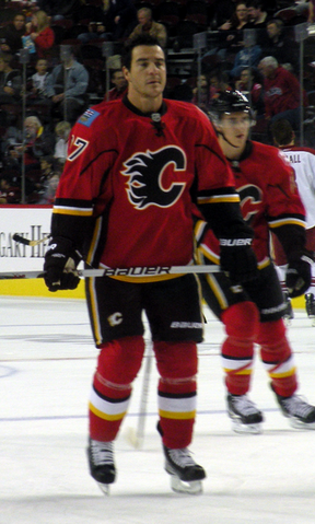File:Steve Staios Flames.png