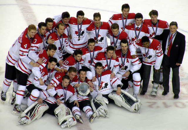 File:Canada 2012 WJHC bronze team photo.png