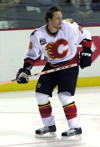 File:Darren McCarty - Calgary Flames.jpg