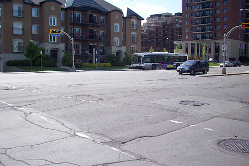 File:Chomedey, Quebec.jpg