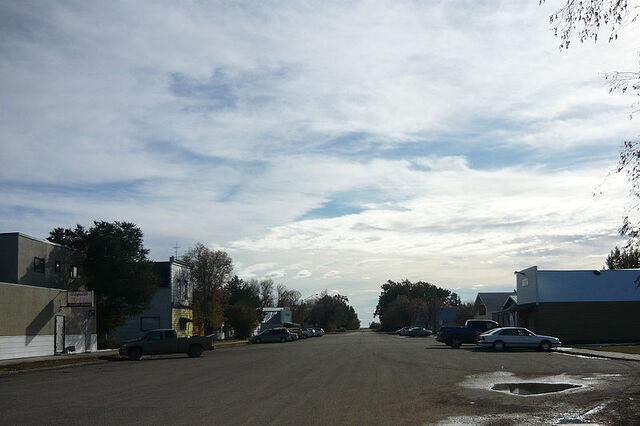 File:Asquith, Saskatchewan.jpg