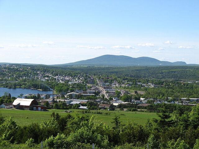 File:Lac-Mégantic, Quebec.jpg