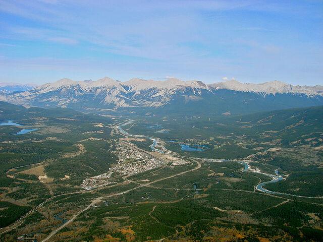 File:Jasper, Alberta.jpg