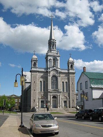 File:Grand-Mère, Quebec.jpg