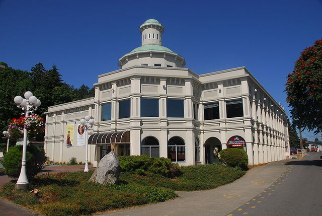 File:Chemainus, British Columbia.jpg