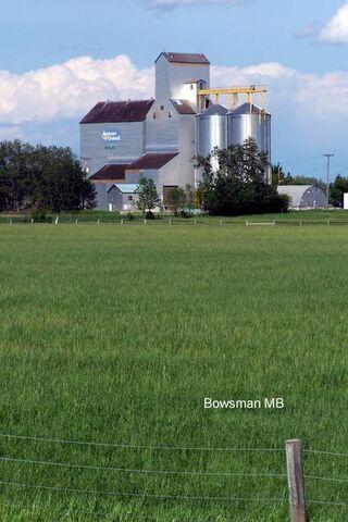File:Bowsman, Manitoba.jpg