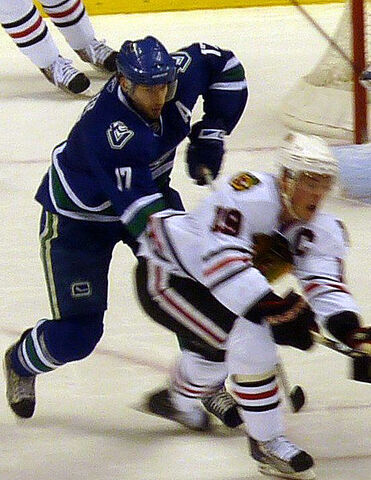 File:Ryan Kesler Jonathan Toews.jpg